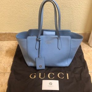 Lowest $$ 🔥Gucci swing tote pebbled leather